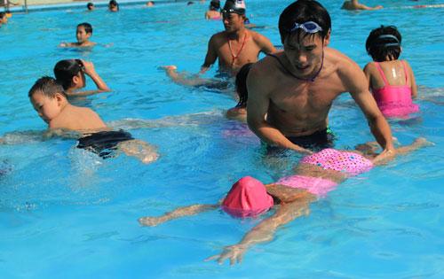 cách dạy bơi cho trẻ