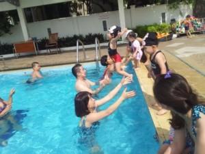 Dạy bơi cho bé 3 tuổi