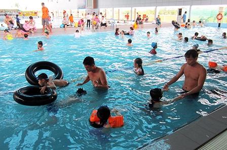 học bơi ở quân khu 7