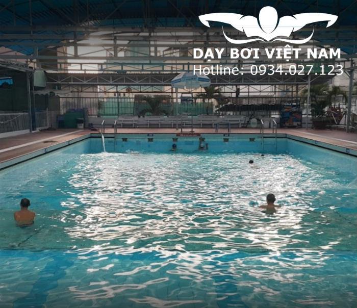 CLB bơi lội Lido