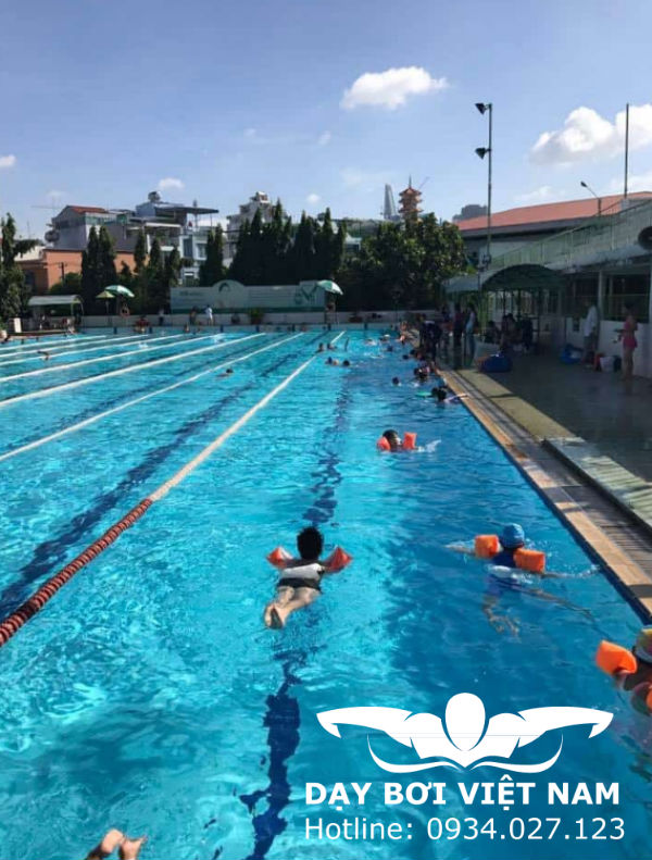 CLB bơi lội Khánh Hội