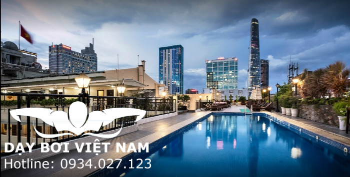 Hồ bơi khách sạn Bến Thành (REX)