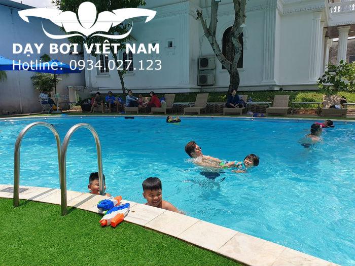 Hồ bơi Thiên Thai