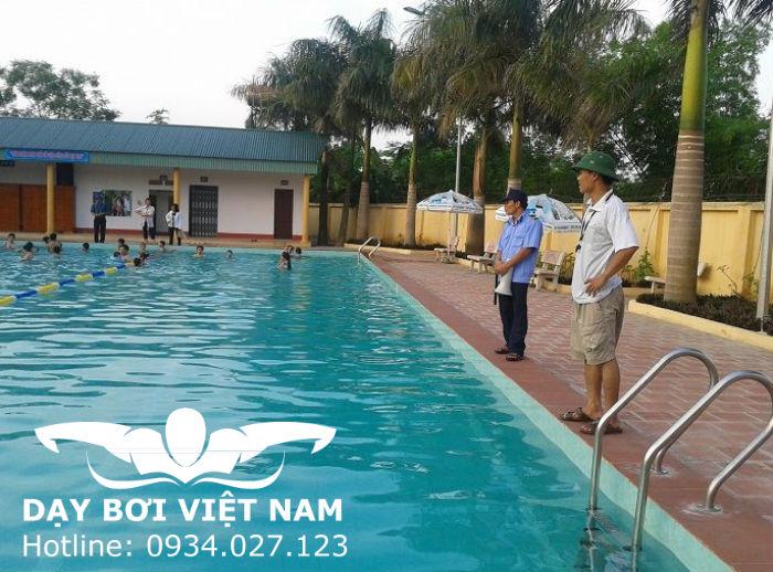 Hồ bơi Trường CĐSP Thể dục TW2