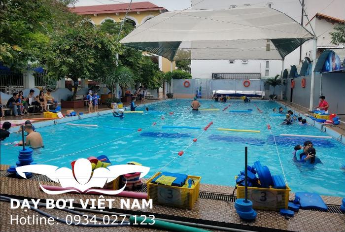 Hồ bơi Trường THCS Trần Văn Ơn