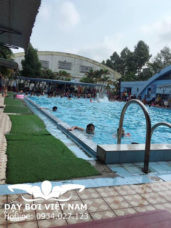 Hồ bơi Võ Trường Toản
