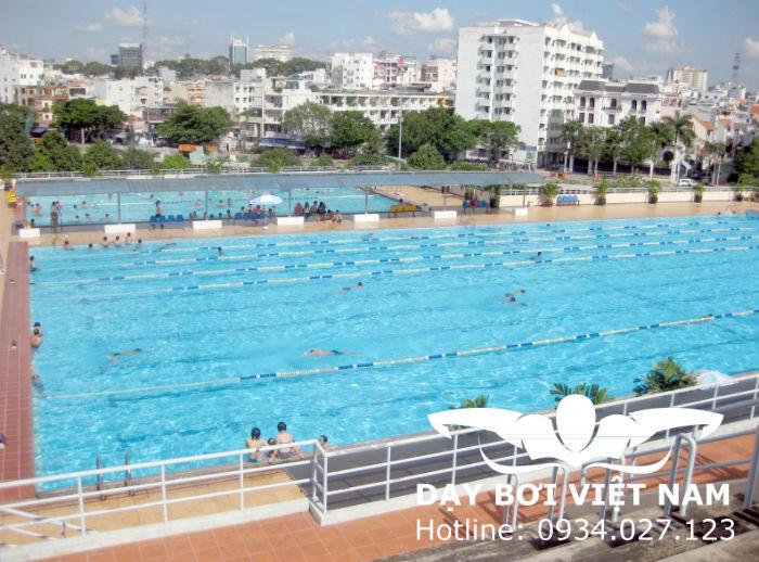 Hồ bơi khu chế xuất Tân Thuận