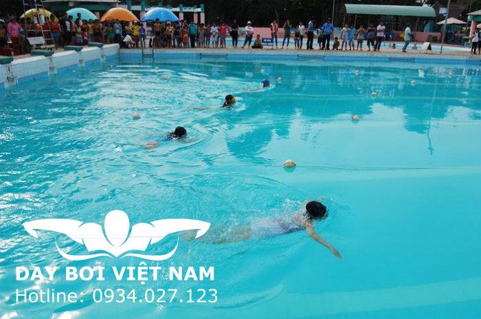 Hồ bơi Nhà thiếu nhi Quận Thủ Đức