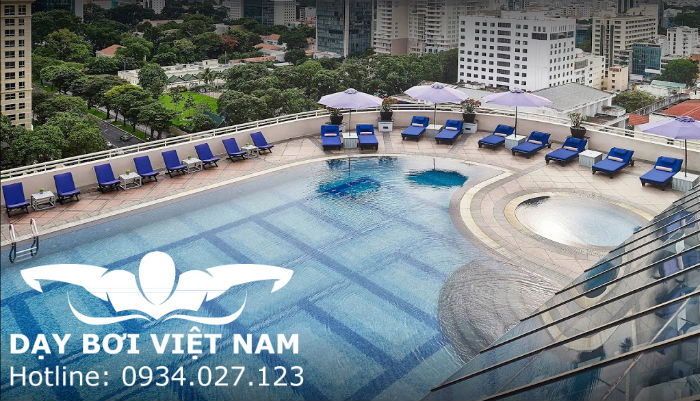 Hồ bơi khách sạn Sofitel Plaza Saigon