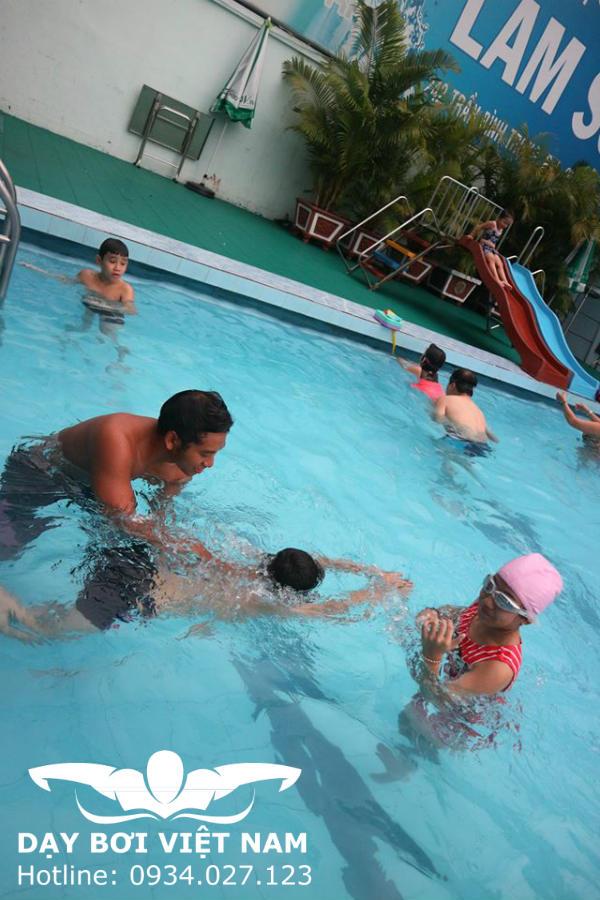 Dạy bơi tại Bình Thạnh TPHCM