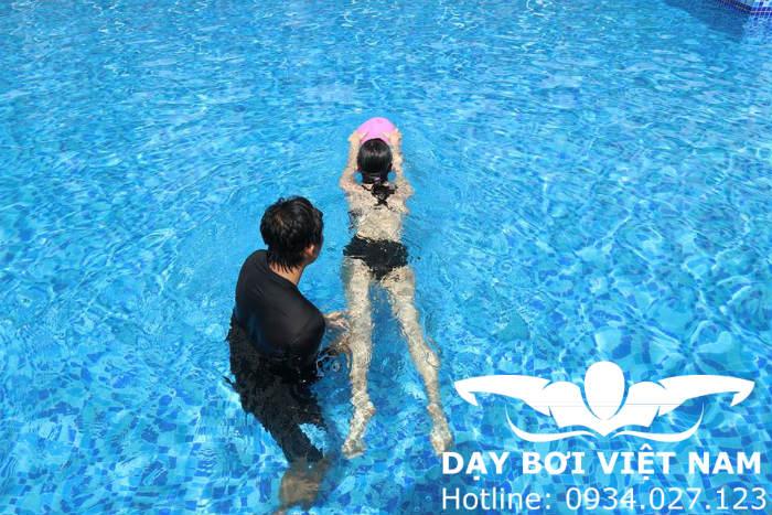Dạy bơi Hồ bơi Yết Kiêu TPHCM