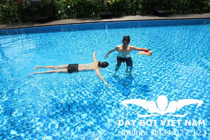 Dạy bơi Khách sạn Victory TPHCM