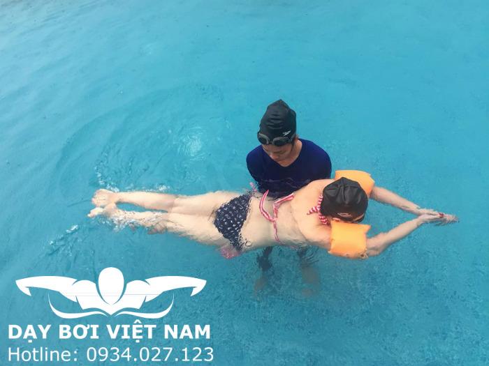 Dạy bơi Sải TPHCM