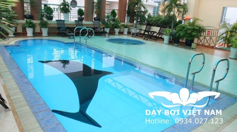 hồ bơi khách sạn Hương Sen