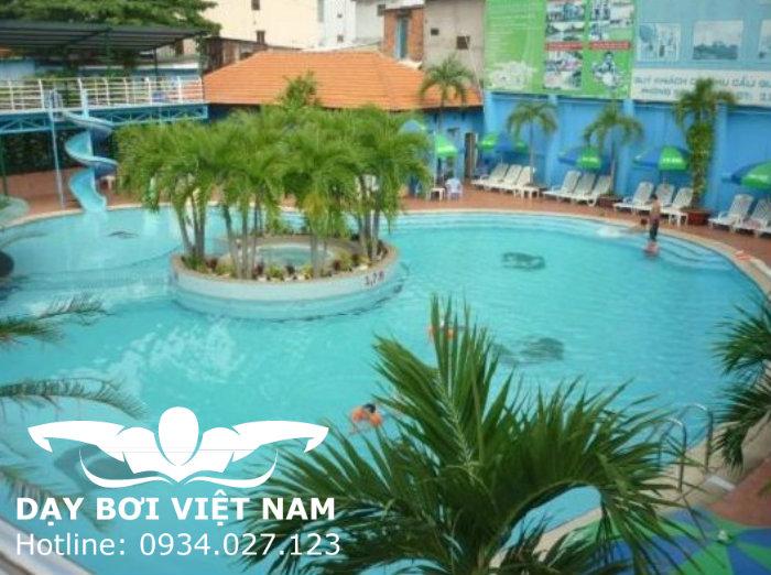 Hồ bơi phường Thảo Điền