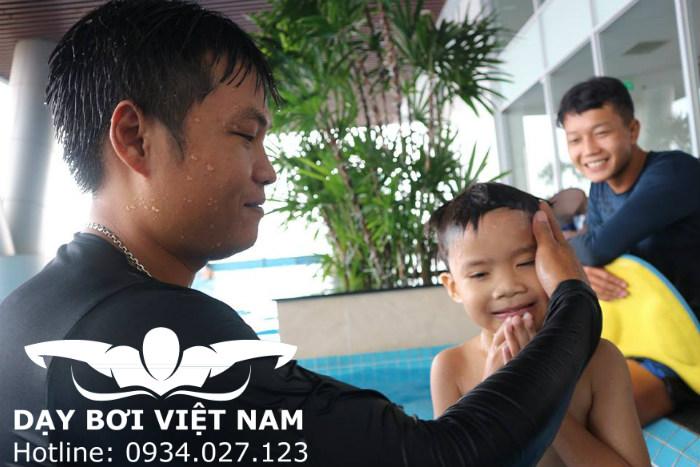 Học bơi cho người lớn ở Thủ Dầu Một
