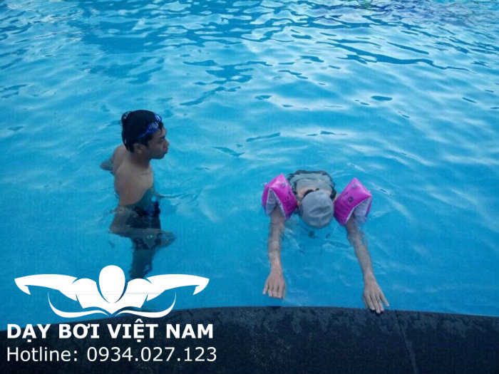 Học bơi hồ bơi Tây Thạnh TPHCM