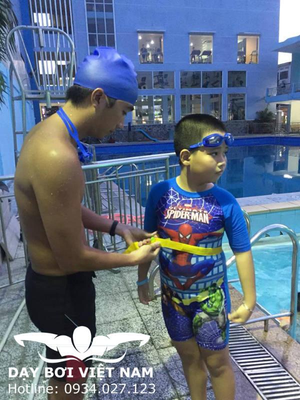Học bơi hồ bơi Văn Thánh TPHCM