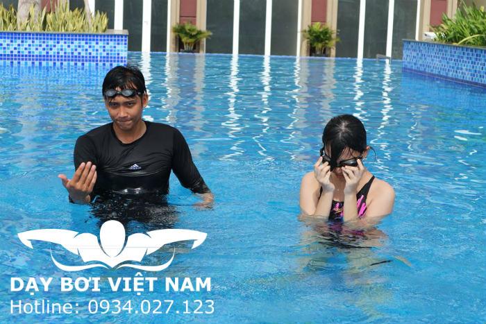 Học bơi ở Dìn Ký Bình Dương