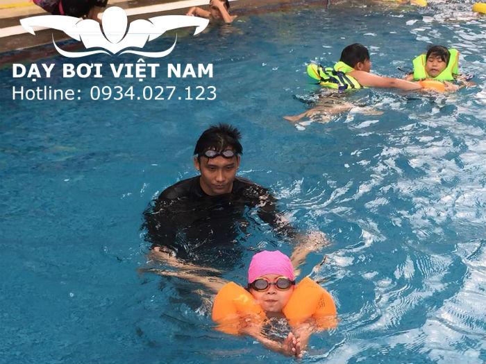 Học bơi Hồ bơi Hải Quân TP HCM