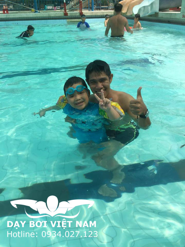 Học bơi ở Hồ bơi Kỳ Đồng TPHCM