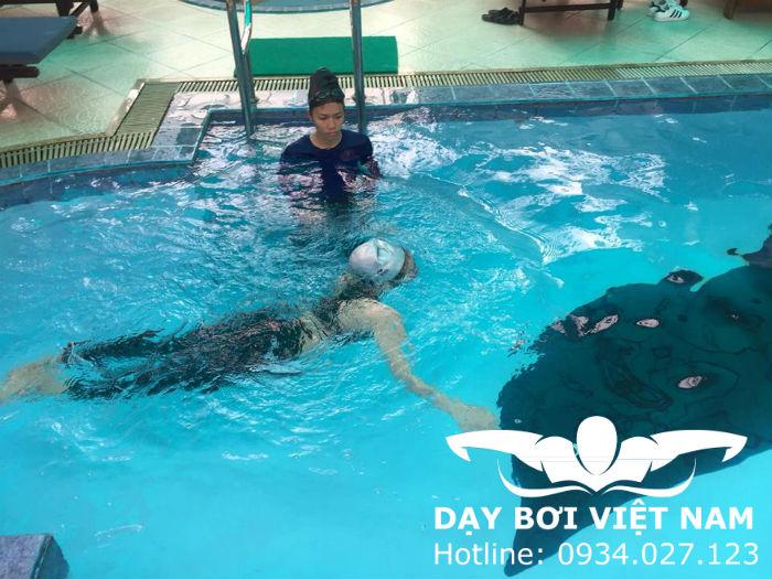 Học bơi ở Phú Lâm TPHCM