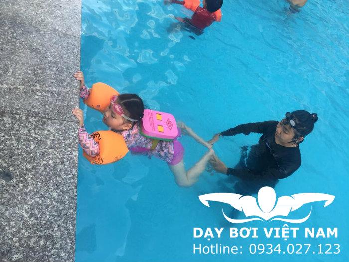 Học bơi ở Phú Mỹ Hưng TPHCM