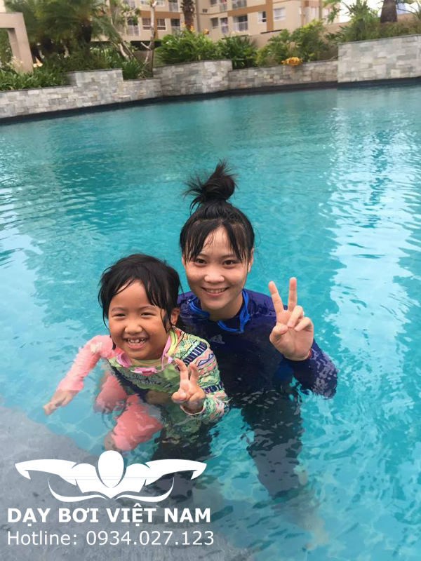 Học bơi ở Quân khu 7 TPHCM