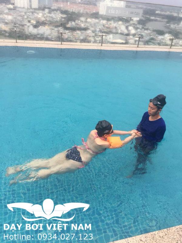 Dạy Bơi Cho Người Lớn