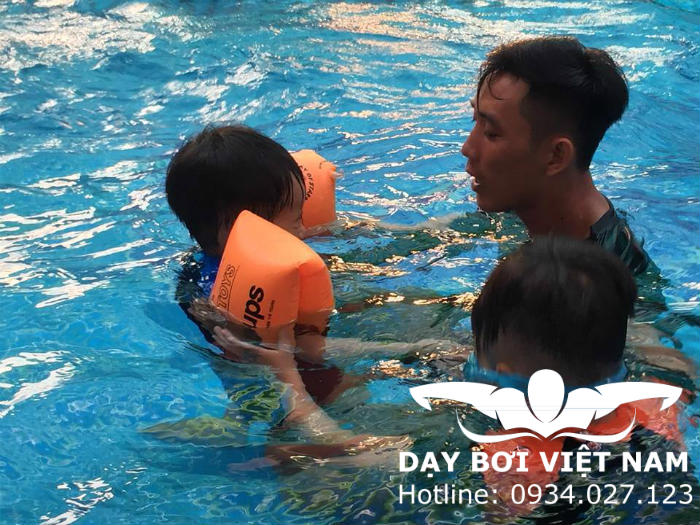 Học bơi Quận 2 TPHCM