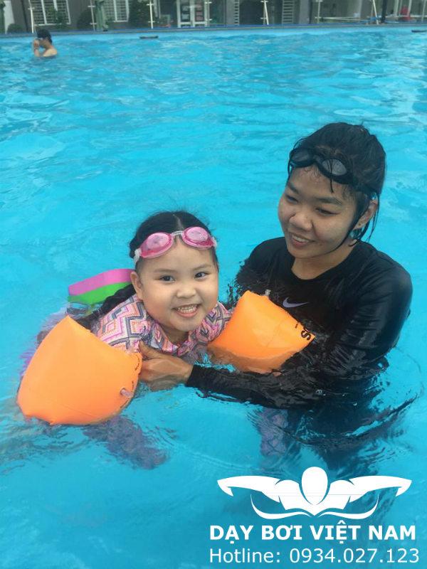 Học bơi Quận 8 TPHCM