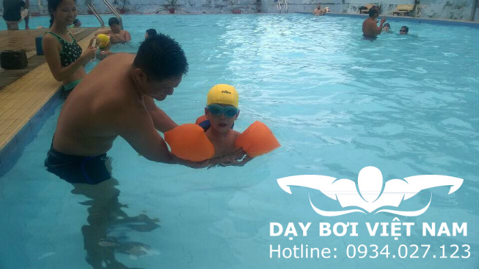 Học bơi Quận 9 TPHCM