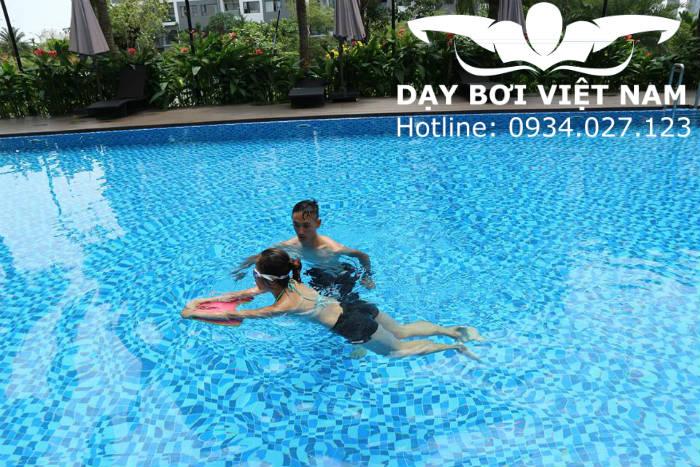 Khóa học bơi TPHCM