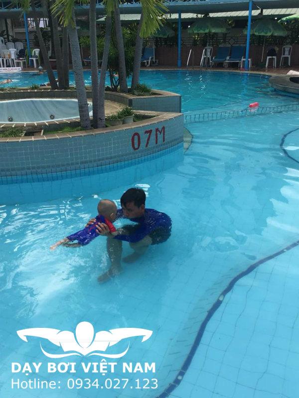 Làm thế nào để biết bơi