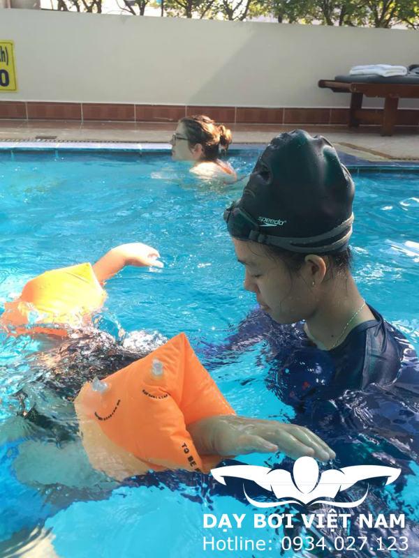Lời Khuyên Cho Ngưới Mới Bắt Đầu Học Bơi