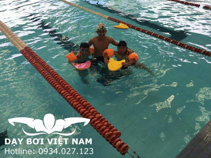 Phổ cập bơi cho trẻ em TPHCM